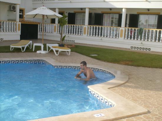 Apartamentos Turisticos Solar Veiguinha: Bela piscina