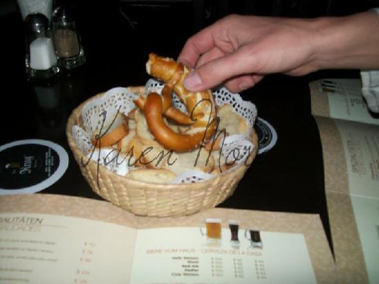 Der Krug Brauhaus: pretzel