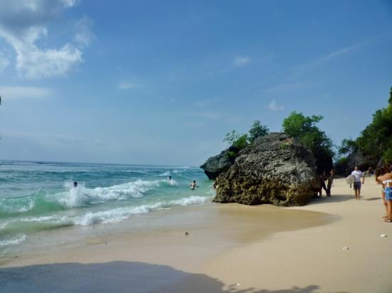Pecatu, Indonesia: White Sand