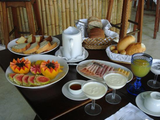 Pousada Picinguaba: Some of the amazing breakfast