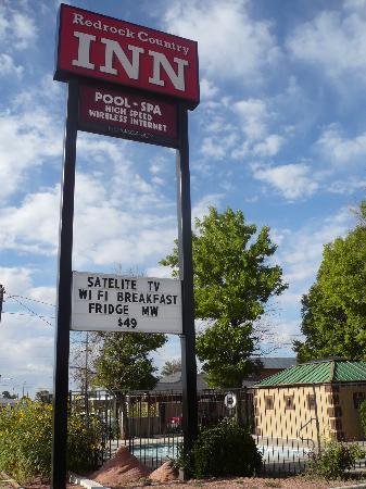 Redrock Country Inn : swimming pool