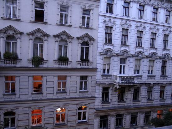 Marc Aurel: Вид из окна.