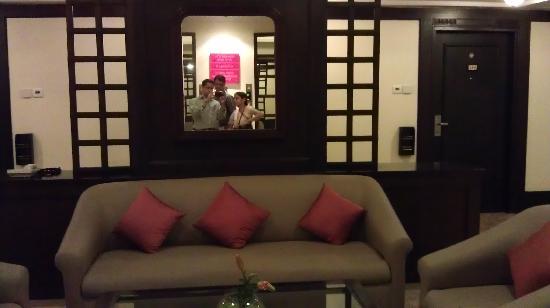 Taj Residency: Near the lift