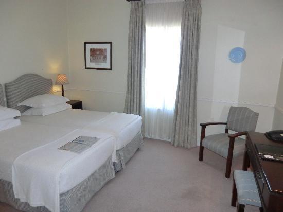 Queens Hotel: Zimmer