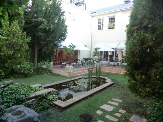 Queens Hotel: Garten