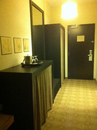 Proximity Hotel: The room