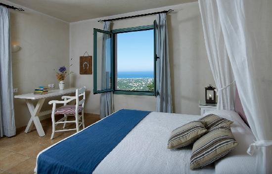 Village Heights Golf Resort: Bedroom