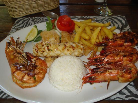 Savannah : The main meal, seafood platter
