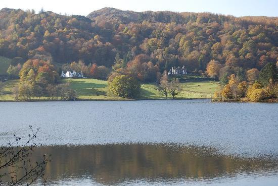 Lake Grasmere: Autumn in Grasmere