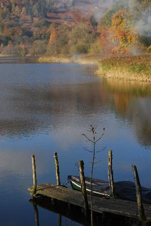 Lake Grasmere: Early morning mist