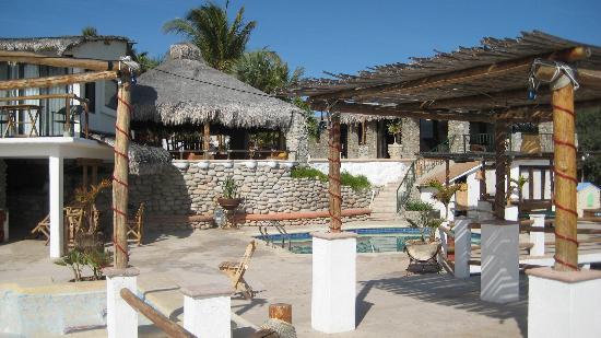 Kite Paradise Hotel & Resort: Pool area