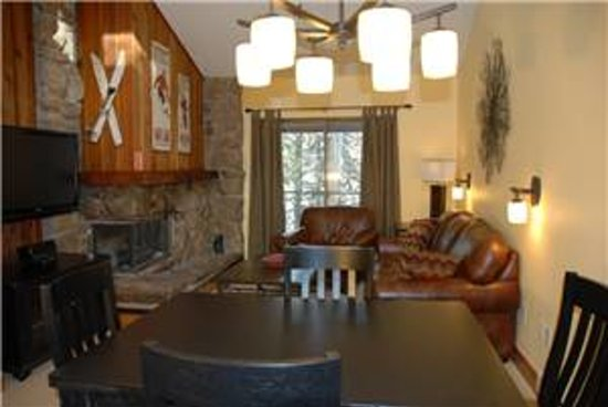 Destinations West at Beaver Village Condominiums: Vaulted Ceiling Third Floor Condo