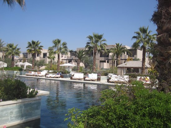 Four Seasons Resort Marrakech: Heated pool