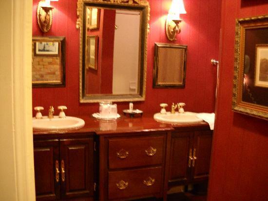 Plains Historic Inn: Sitting area