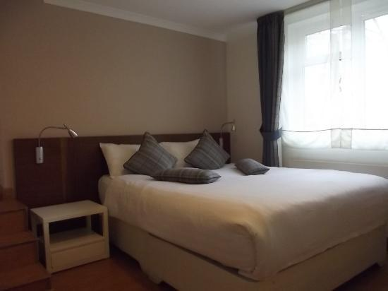 Jawaher Hotel Apartments: very comfortable bed to sleep