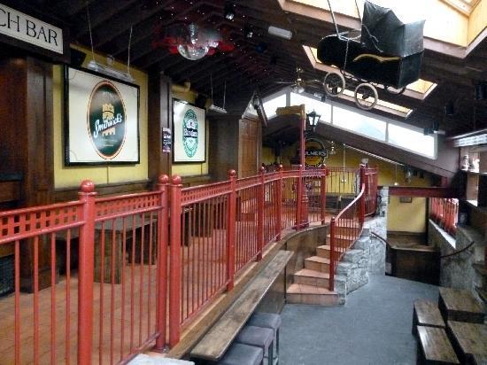 Kilford Arms Hotel: O'Faolain's Bar
