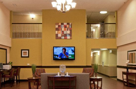 Holiday Inn Express Sarasota I-75: Lobby Holiday Inn Express & Suites