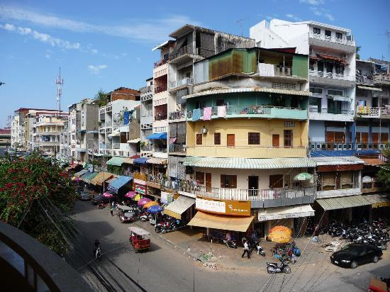 Dara Reang Sey Hotel Phnom Penh: view from our floor.