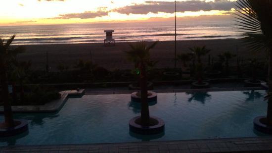Los Pelicanos Hotel: BELLO ATARDECER.