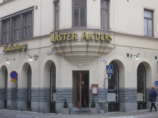 Entrance to Master Anders.