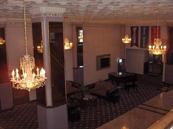 Ben Lomond Suites Historic Hotel,  an Ascend Collection Hotel: Main Lobby from 2nd Floor