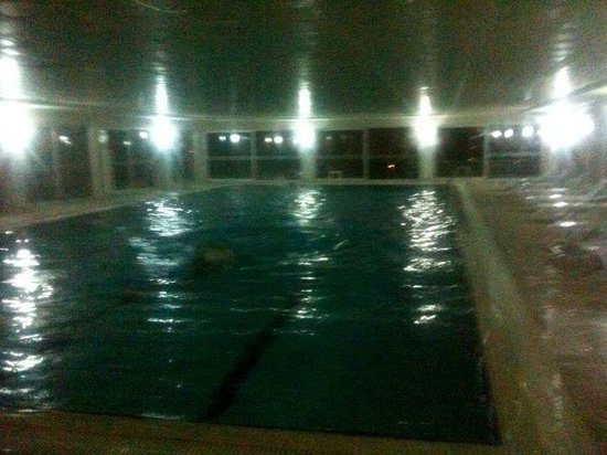 Luleburgaz, ตุรกี: swim even snowing outside...