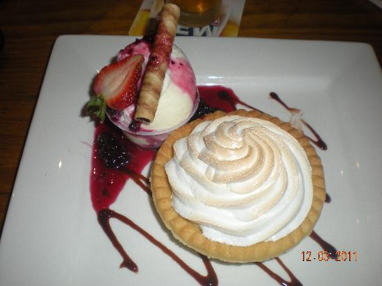 Harrigan's Irish Pub & Accommodation: Dessert....yummo!!