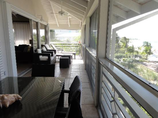 Ocean Club West: Relaxing balcony