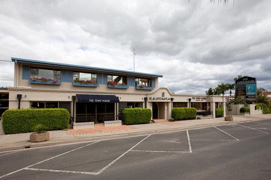 The Town House Motor Inn