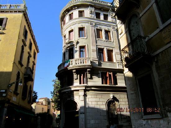 Domus Civica 2