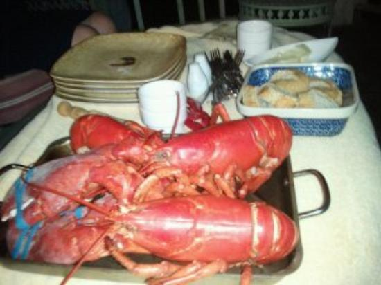 Captain A. V. Nickels Inn: Lobster Dinner