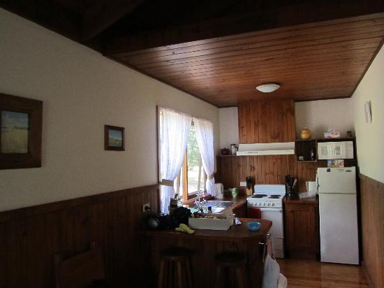 Sanctuary Park Cottages: Kitchen