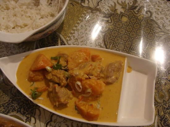 Makanan Indonesia: chicken curry