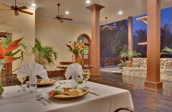 Mahogany Hall Boutique Resort: The Dinning Room
