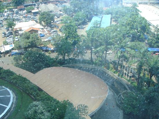 InterContinental Jakarta MidPlaza: Swimming pool view from room