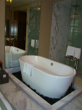Badewanne Im Schlafzimmer Picture Of Hotel Fort Canning Singapore
