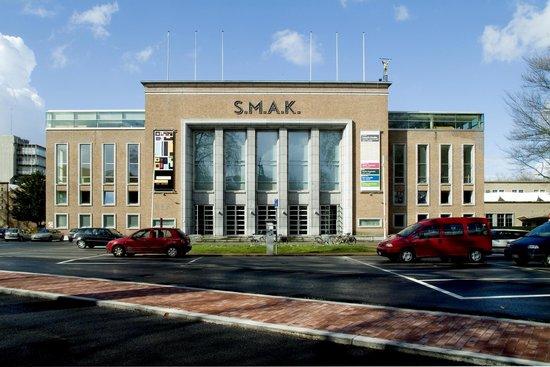 Stedelijk Museum voor Actuele Kunst (SMAK)