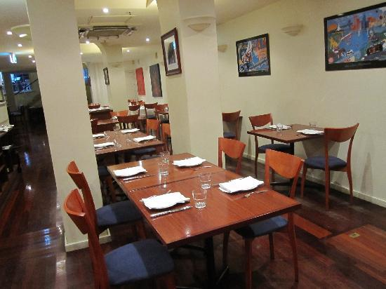Curry Vault Indian Restaurant and Bar: dining-back