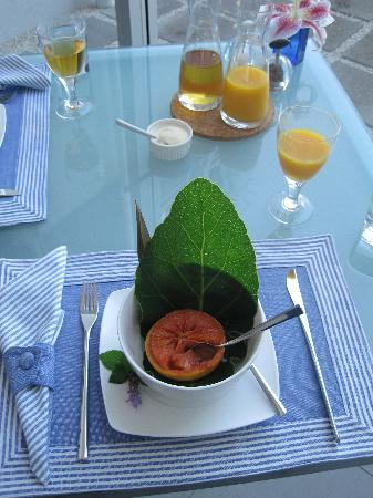 Breakfast on the Beach Lodge: One of the lovely breakfasts!