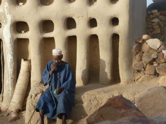 Bandiagara Cliffs (Dogon Country): Hogon, capo villaggio