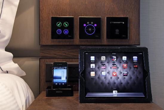 เอ็คเคิลส์ตั้น สแควร์ โฮเต็ล: i-pad 2 in every room