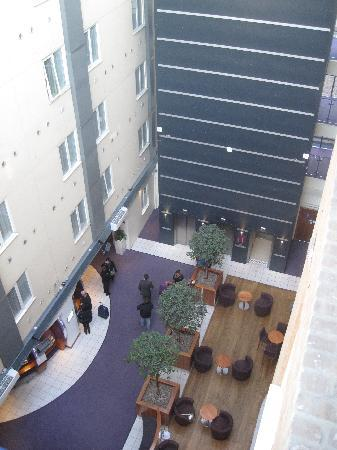 Premier Inn London Kings Cross Hotel: view from the top floor of the lobby