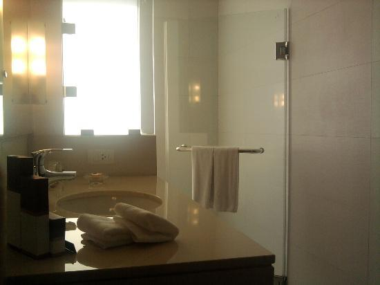 Oakwood Residence Sukhumvit Thonglor: bagno n°2