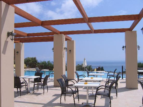 Livadaki Village Hotel: The veranda by the lounge