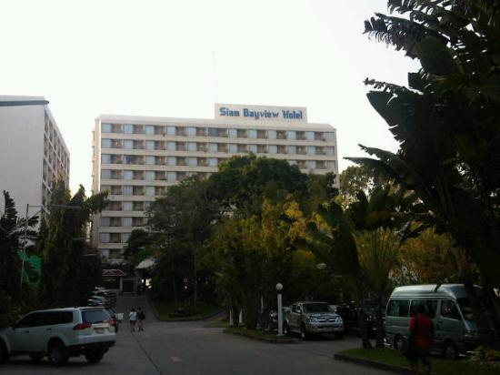 Bayview Hotel Review