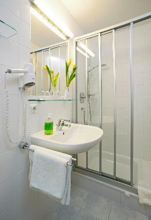 Gasthof Lerner: Standard Badezimmer