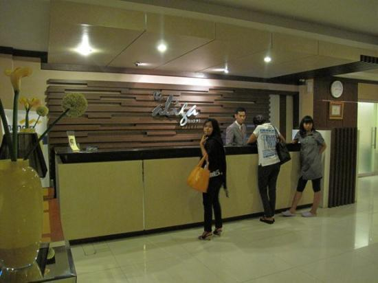 The Aliga Hotel: The reception