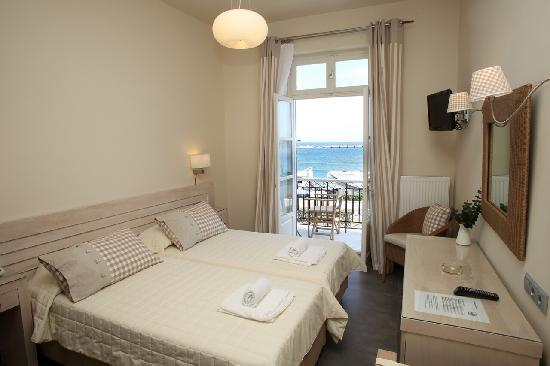 Esperance 1: Double Room-Sea View