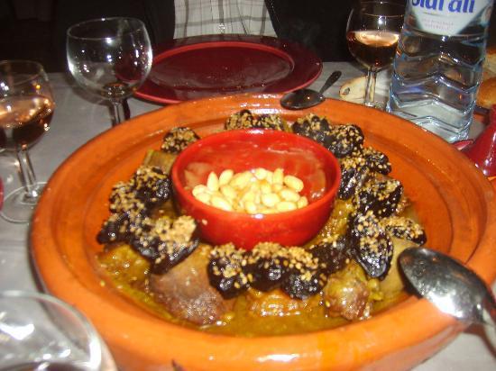 Riad Elixir : tagine de boeuf aux pruneaux , excellent