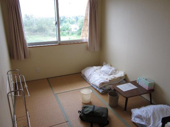 Minshuku Nodoka : 居室から窓越しに見た外の様子
